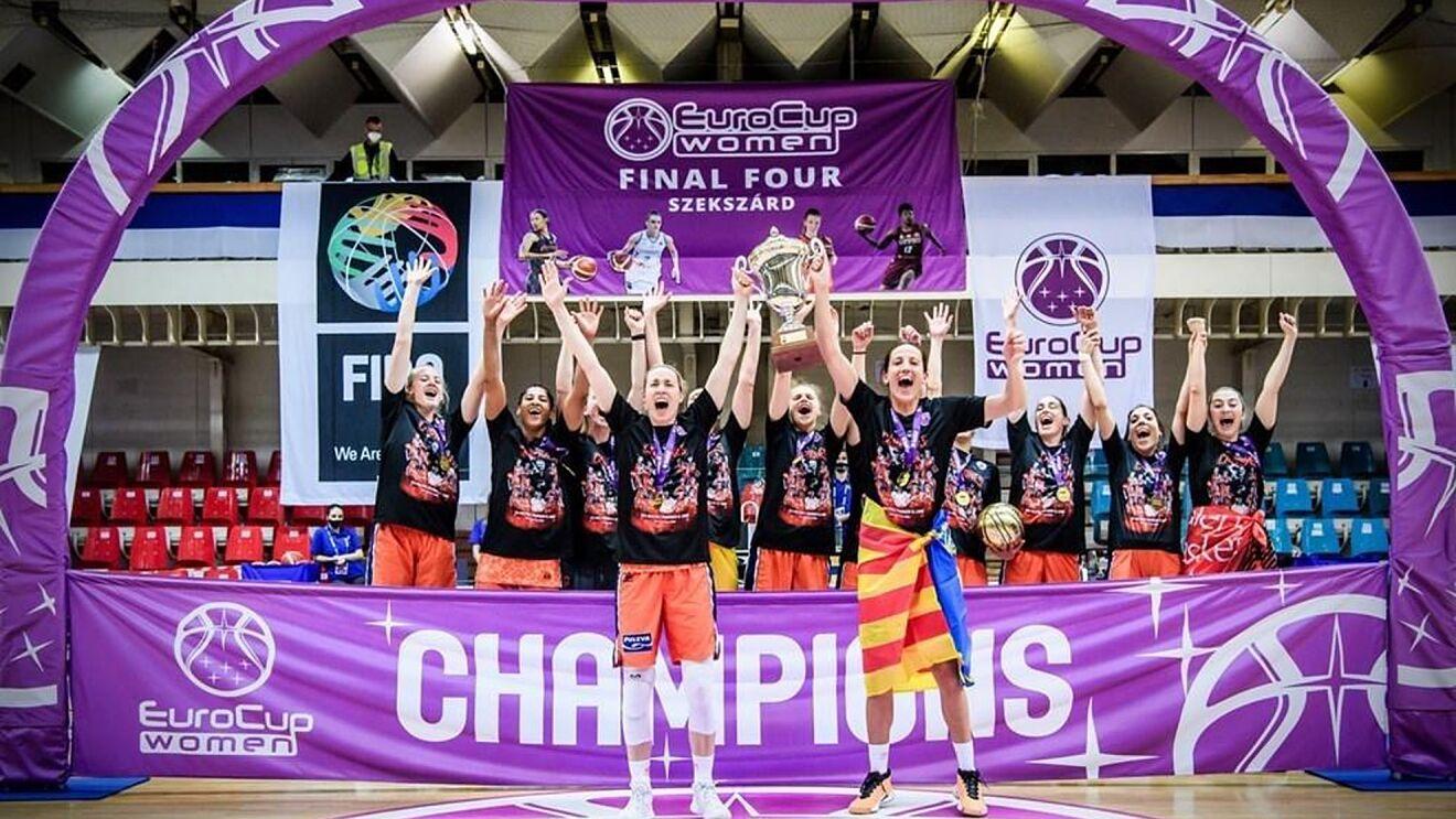 Valencia Basket Club levanta la copa en la final de la Eurocup